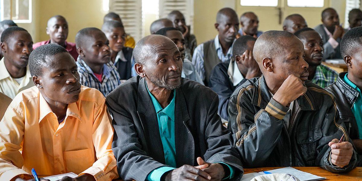 Clase de formación de maestros del JRS para profesores de matemáticas en Mweso, República Democrática del Congo.