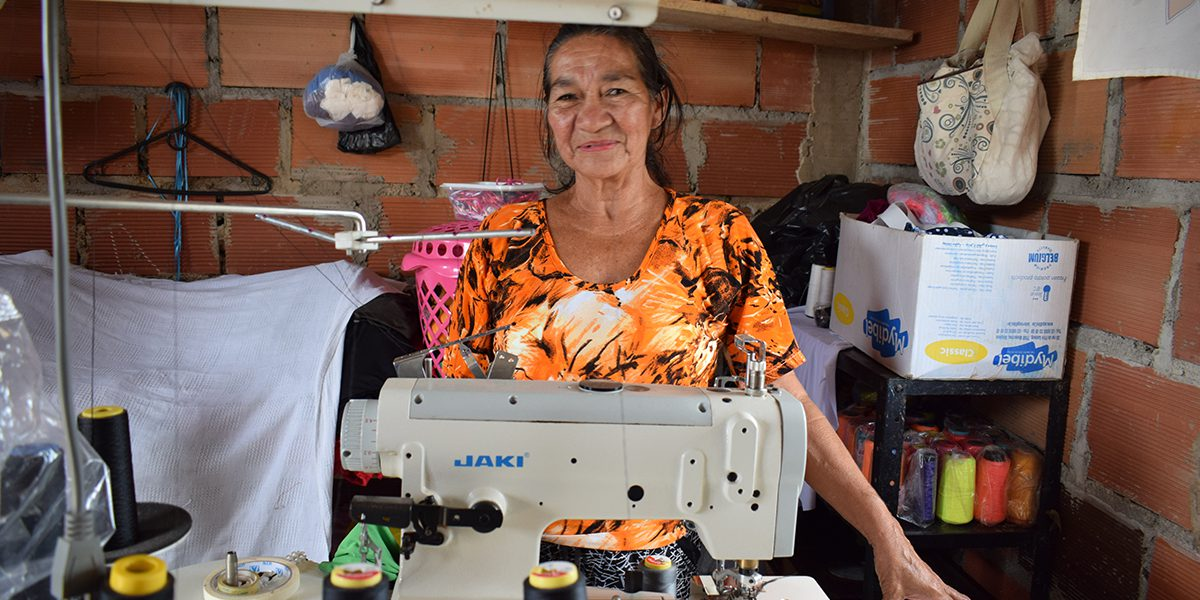 Flor Marina, an IDP living Cúcuta, completed a a sewing workshop with the support of JRS.