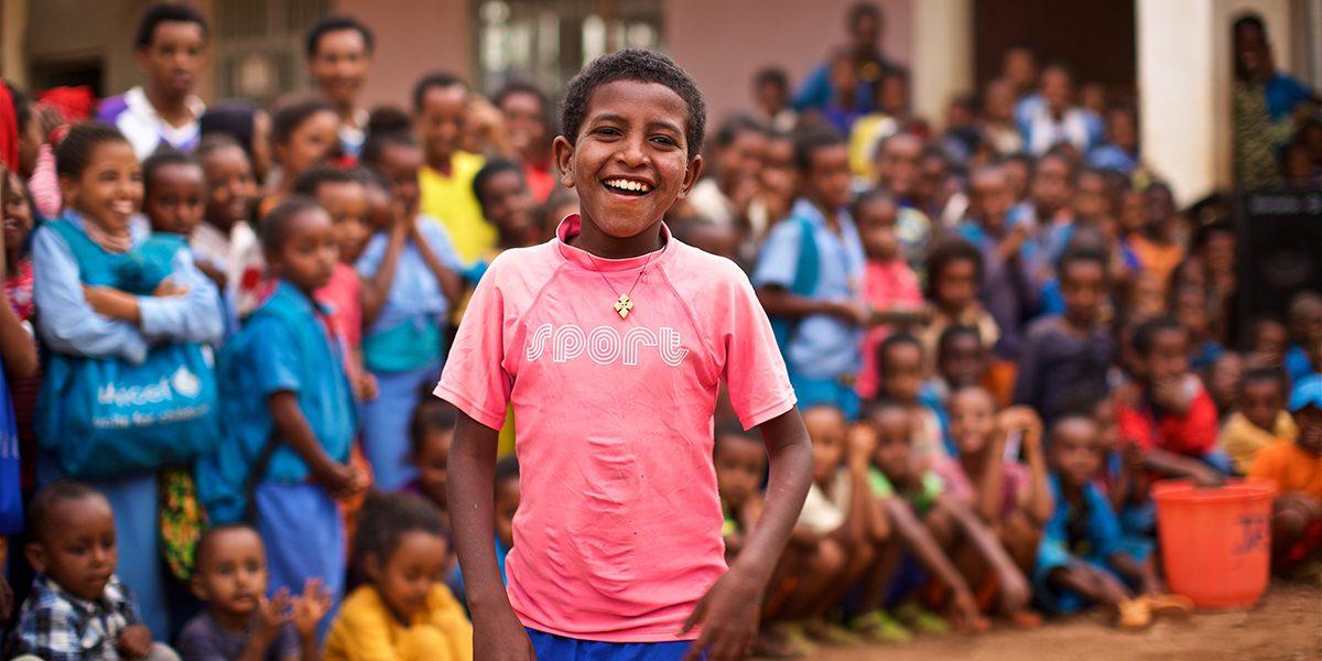 Des réfugiés érythréens font un brillant spectacle à JRS, au camp de réfugiés Mai Aini, en Ethiopie (JRS)