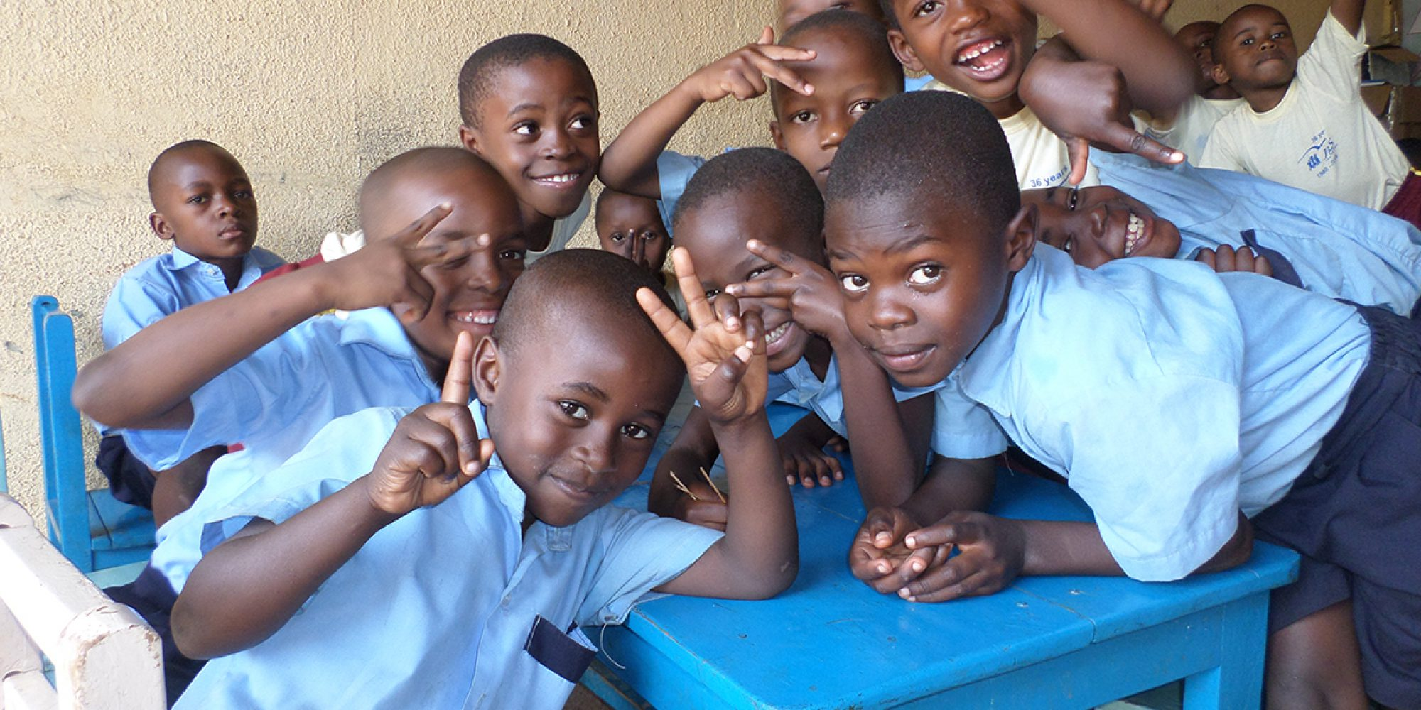 Des jeunes réfugiés dans l'école maternelle de JRS, dans le cadre du Programme d'urgence urbaine de JRS Kampala