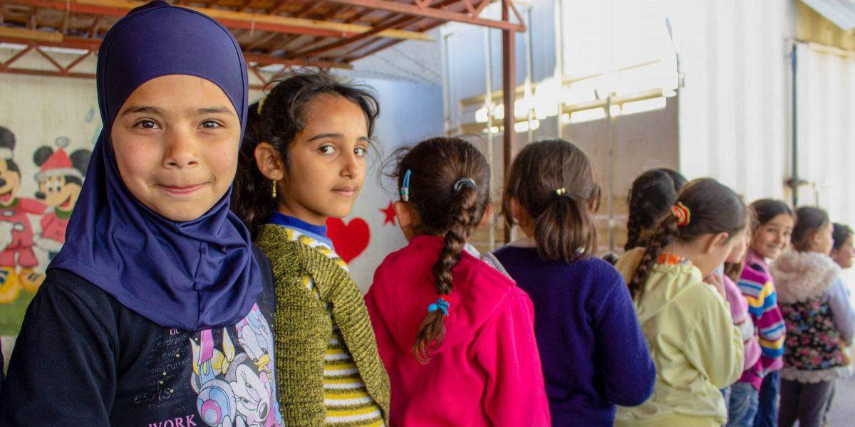 Jóvenes estudiantes se alinean en una escuela del JRS en Baalbek, Líbano. (Entreculturas)