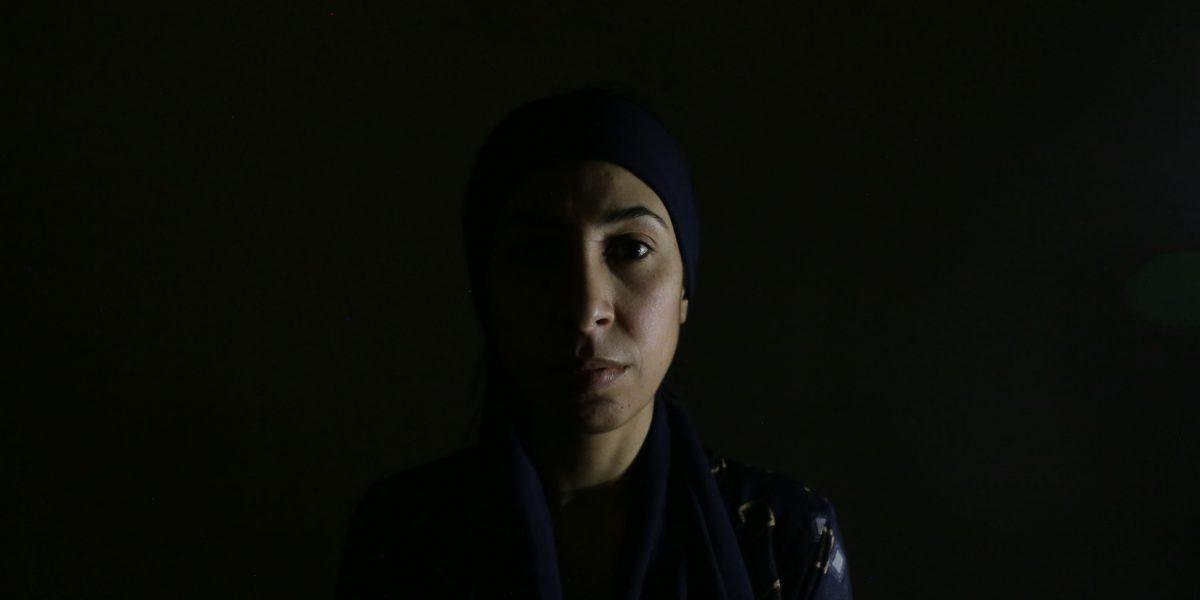 Layla pasó dos años en cautiverio en Al Raqa, Siria, antes de que su hermano pudiera rescatarla del ISIS. (Sergi Camara / Servicio Jesuita a Refugiados)