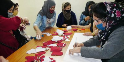 Through the Skilling Circle programme, refugee women in Delhi are lerning new skills to better respond to the needs of the labour market. (Jesuit Refugee Service)