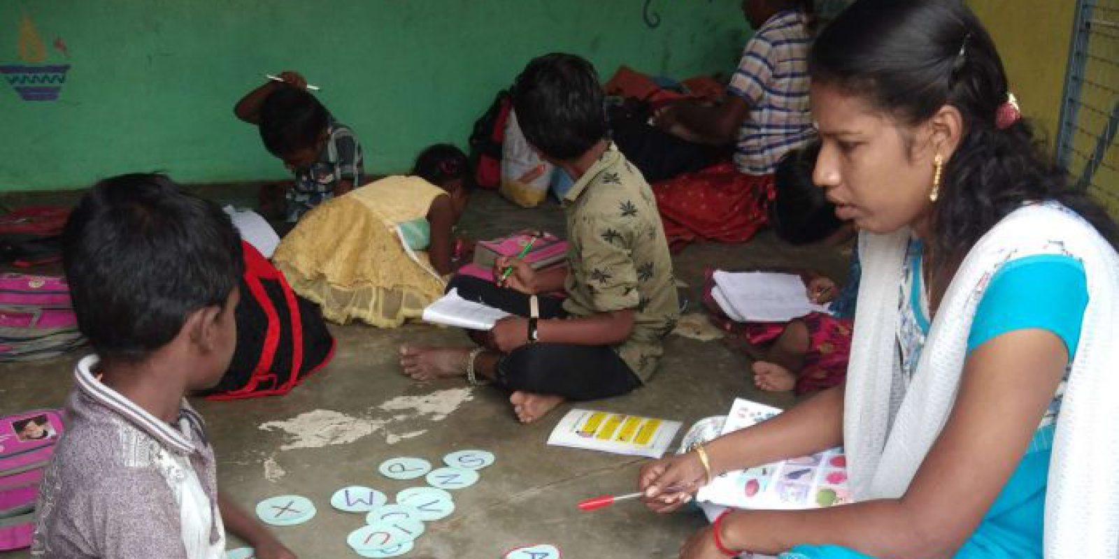 In Tamil Nadu, JRS developed various learning-based activities to support the literacy and numeracy skills of younger children, who were still able to attend school despite the pandemic restrictions. (Jesuit Refugee Service)