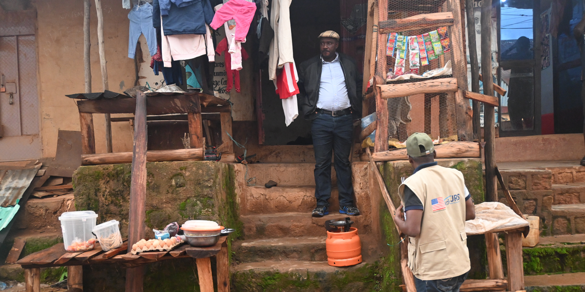 Cameroonian refugee Wirngo has opened his own shop in northern Nigeria.